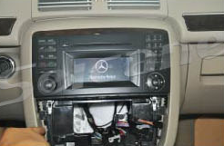 2005-2012 Mercedes Benz ML Class W164 radio installation step 4