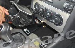 2000-2005 Mercedes Benz C Class W203 car stereo installation step 19