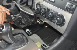 2000-2005 Mercedes Benz C Class W203 car stereo installation step 4