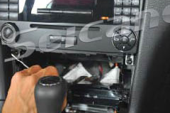 2004 2005 2006 Mercedes Benz Viano Vito radio installation step 10