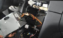 2004 2005 2006 Mercedes Benz Viano Vito radio installation step 11