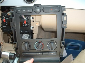 2007-2010 Ford Expedition car stereo installation step 7