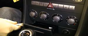 2000-2008 Mercedes Benz SLK class radio installation step 1
