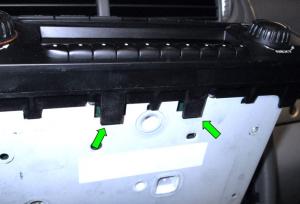 2003-2011 Porsche Cayenne head unit  installation step 4