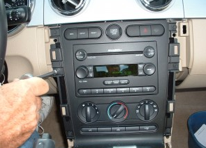 2015 Ford Mustang radio installation step 5