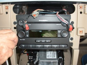 2015 Ford Mustang radio installation step 8