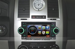 2002 2003-2007 Jeep Grand Cherokee head unit after installation