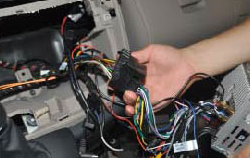 Remarks  a. Plug in the radio antenna.  b. Plug in the GPS antenna.